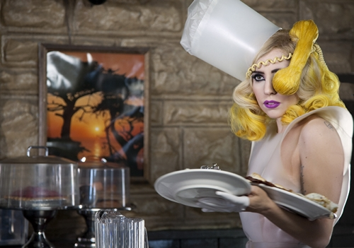 from Gaga's music video: Telephone preview pictures!!