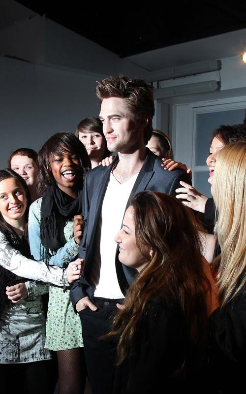 Robert Pattinson's Wax Figure Unveiled (PHOTO'S UNDER)