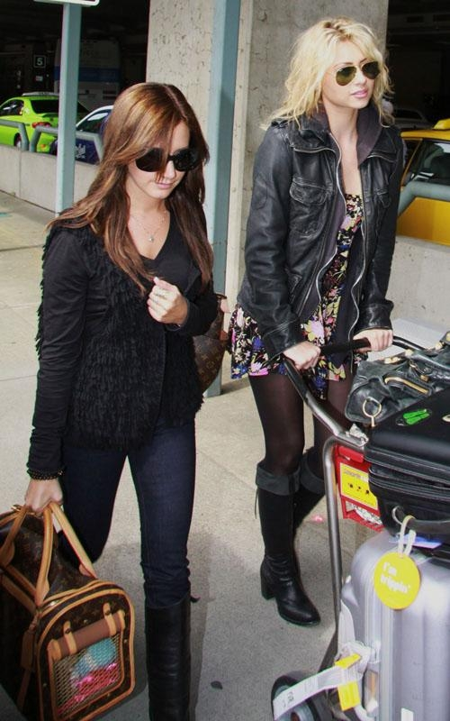 Ashley Tisdale & Aly Michalka land in Vancouver (PHOTOS)