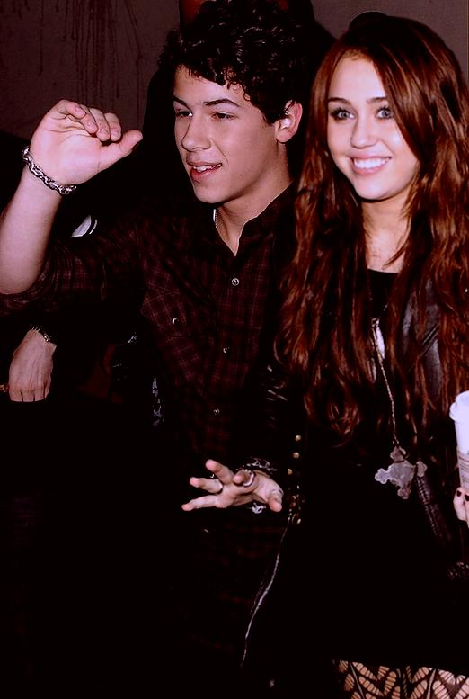 Nick Jonas talks about his ex girlfriend Miley Cyrus! (VIDEO)