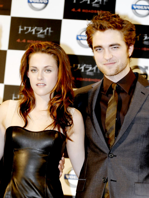 Robert Pattinson on Kristen Stewart: 'It's Like Doing Twister'