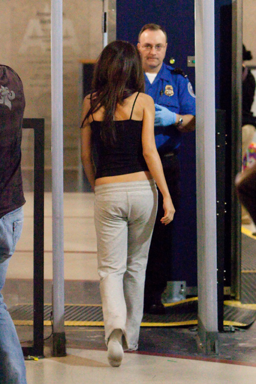 Selena Gomez Looking Tired At Lax Airport Photos Under