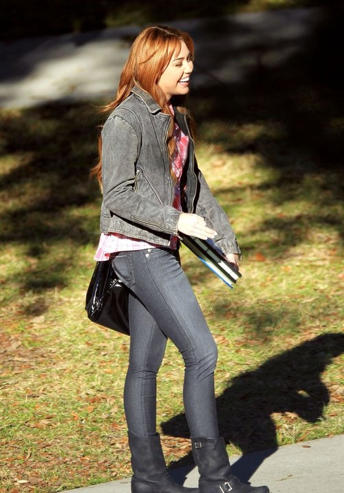'So Undercover' set report from Tulane University Contains Spoilers