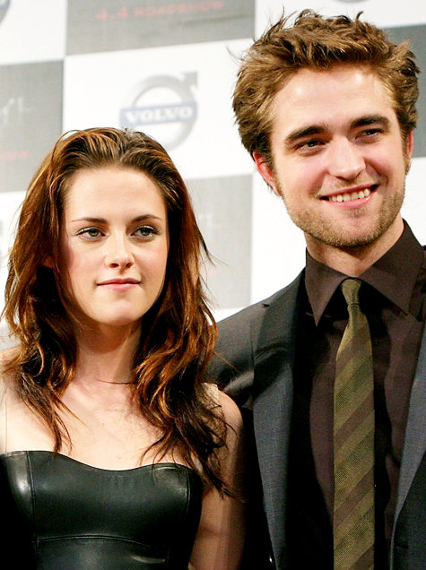 Robert Pattinson and Kristen Stewart: Christmas Apart
