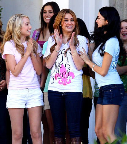 """Miley's new movie """"So Undercover"""" filming at Tulane University!"""