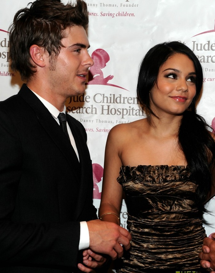 zanessa are still 'friends'