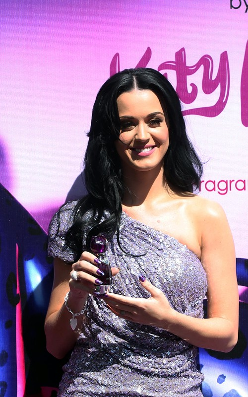"Russel Brand says Katy Perry's lips are a ""tunnel to another world"""