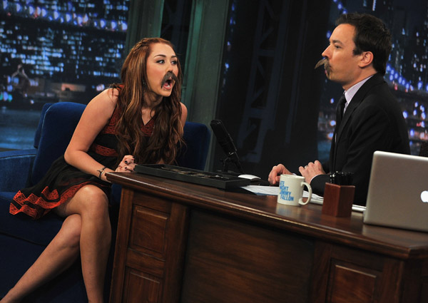 Cute photos of Miley Cyrus on Jimmy Fallon! (more under)