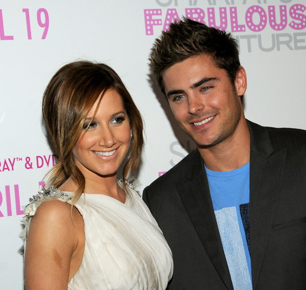 Zanessa at Ashley's new movie premiere! (photos)
