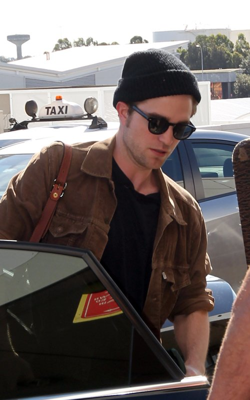 Robert leaving Sydney (photos)