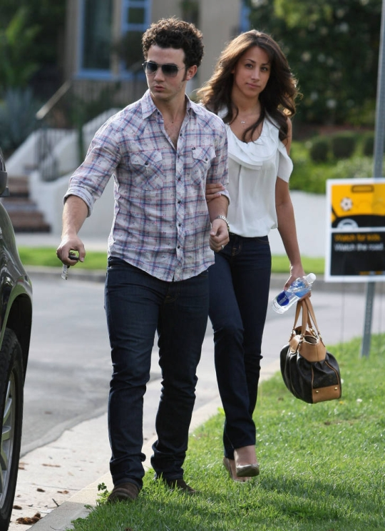 Kevin and Danielle talk about having kids