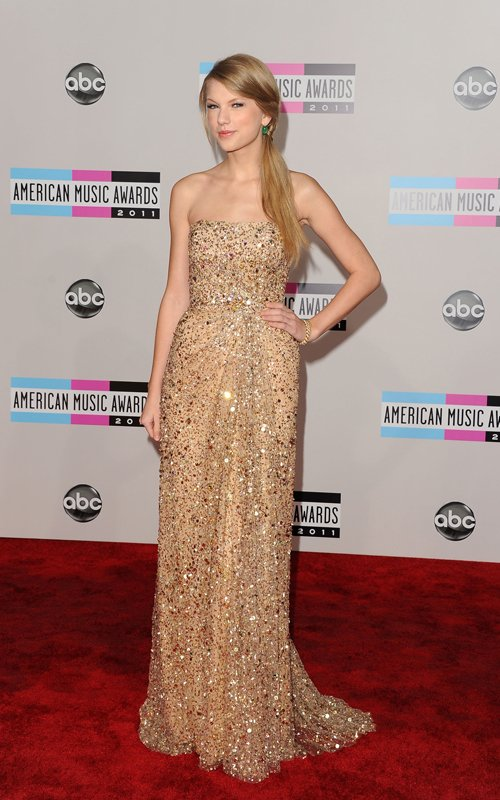 Taylor Swift At The 2011 AMAs (photos under)