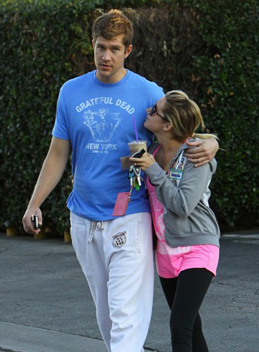 Ashley and Scott At The Gym and Coffee Bean (photos)