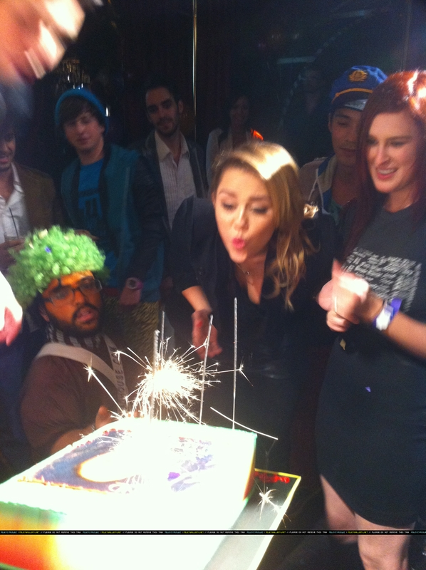 miley's birthday photo's sold online (more photos under)