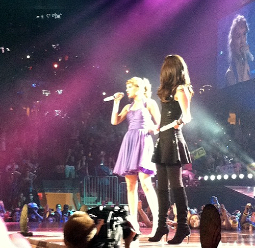 Taylor + Selena perform at Madison Square Garden