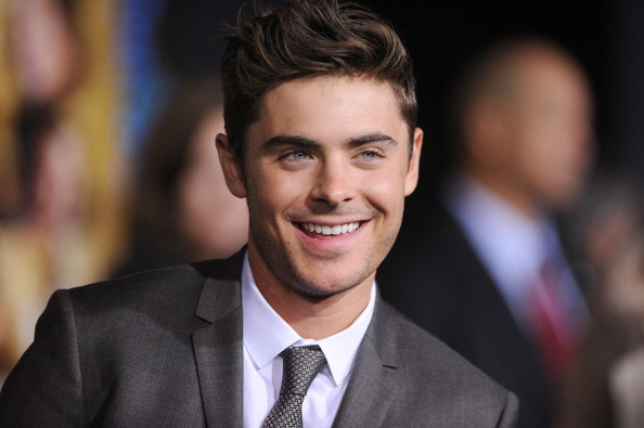 Zac Efron At The New Years Eve Premiere Photos Surfme