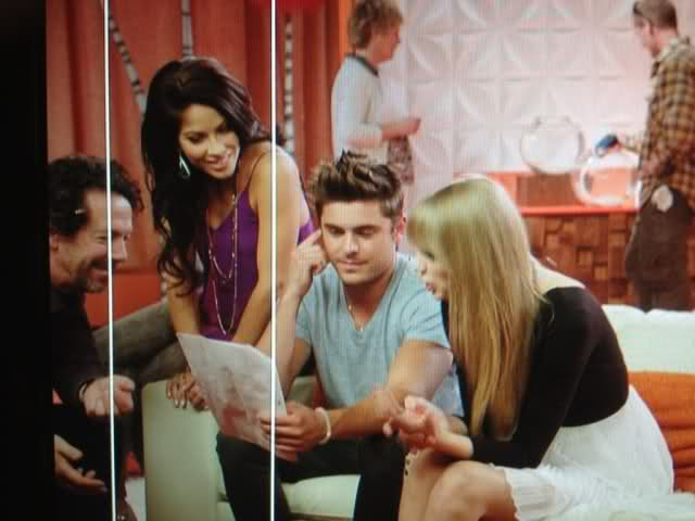 Zac Efron & Taylor Swift working together (+1 more photo under)