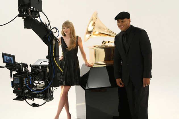 Taylor Swift Joins LL Cool J for 2012 Grammys Promo