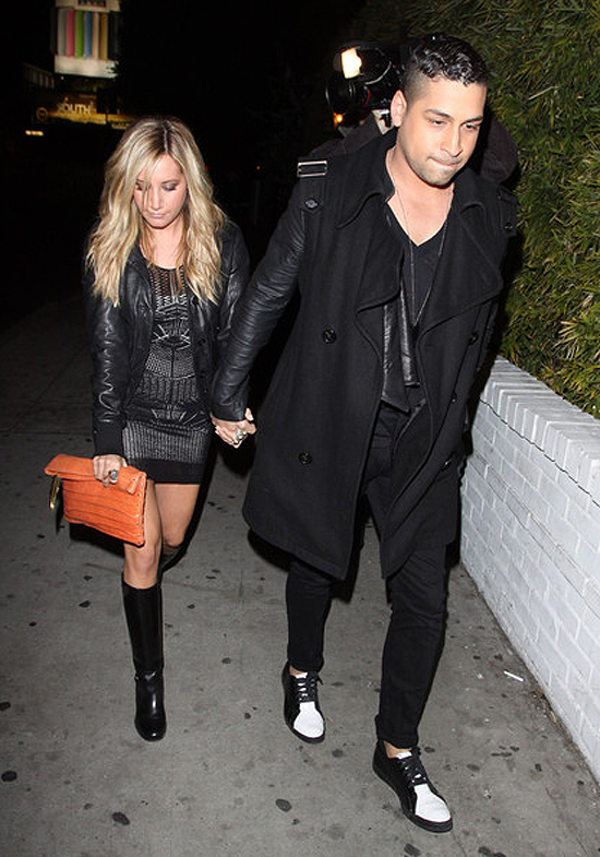 Ashley Tisdale outside Chateau Marmont yesterday (photos + a video)