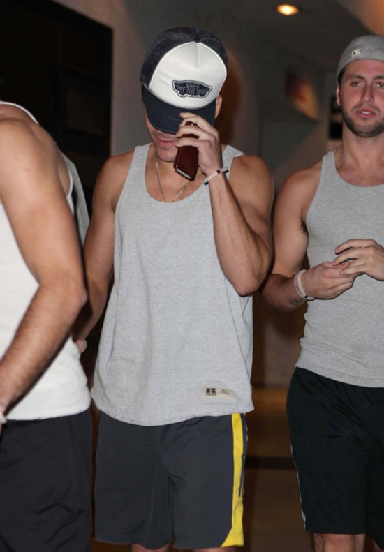 Zac Leaving Studio Cafe Yesterday with his friends (photos)
