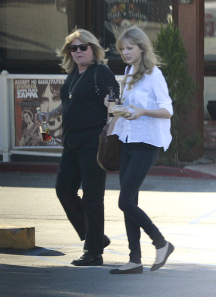 taylor swift and zac efron dating 2012 toyota