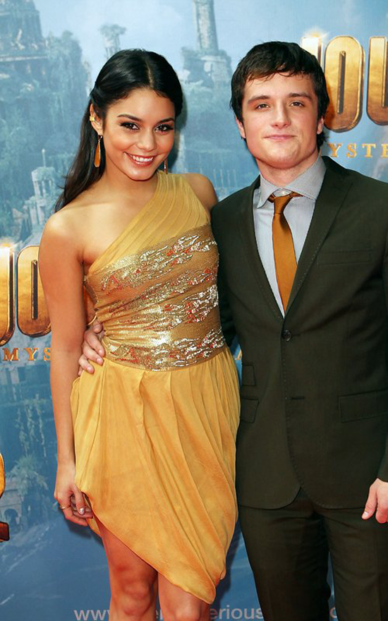 Vanessa Hudgens at Journey 2:The Mysterious Island Premiere (photos)