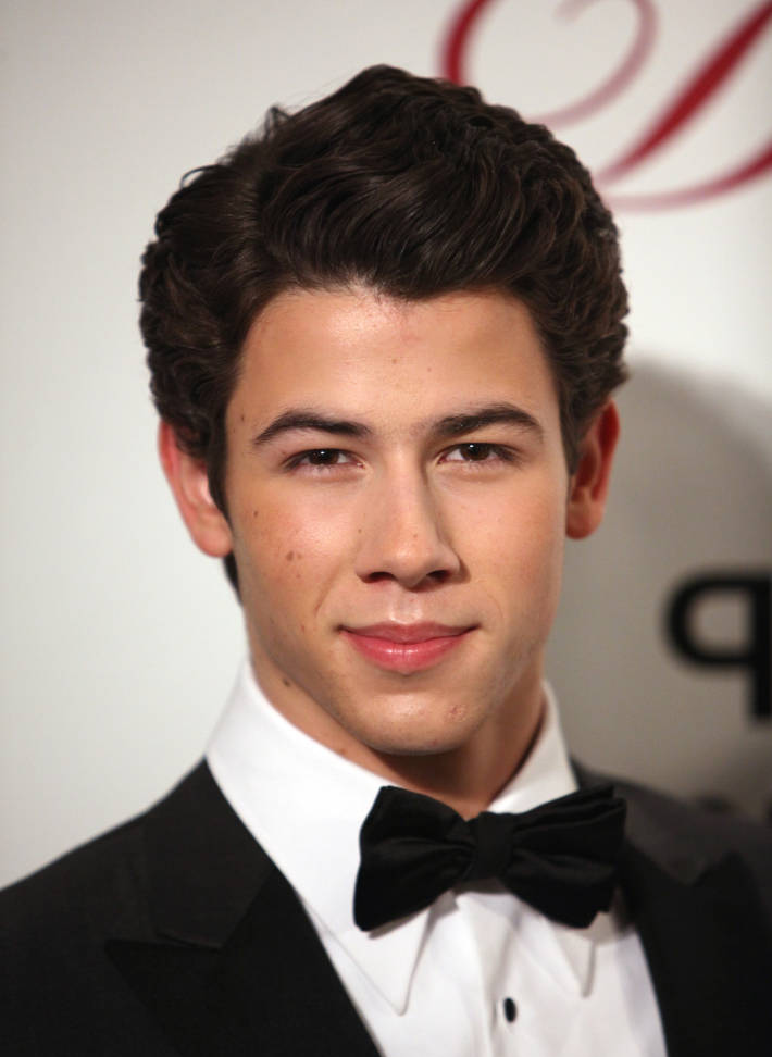 Nick Jonas Attends A Gala in NYC, Lookin' Flawless (photos under)