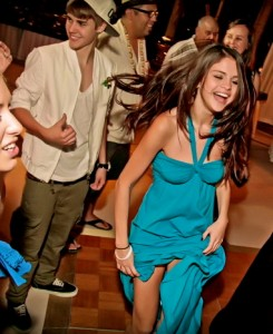 Fabulous Justin Bieber and Selena at Shannon Larossi's wedding!