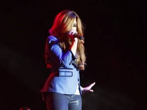 Demi Lovato Panama City Concert [pics + videos]
