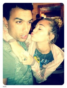 [Gallery Update] Miley Cyrus new Twitter pictures