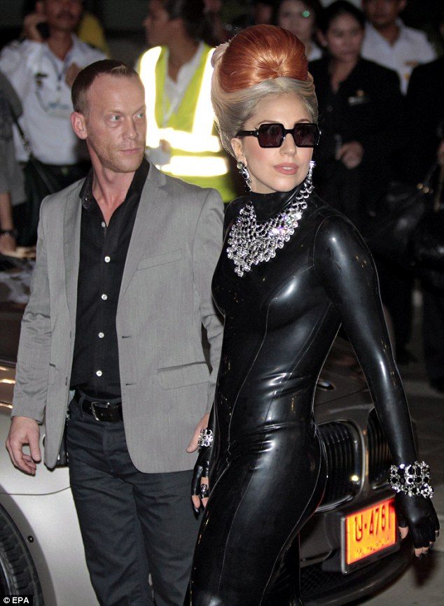 Lady GaGa arrives at airport in Bangkok (photos under)
