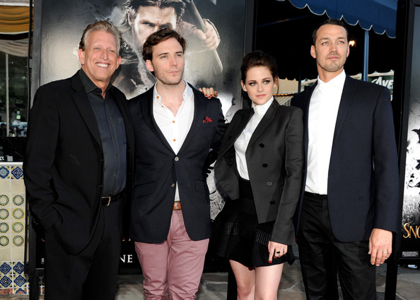 Kristen at special screening for 'Snow White and the Huntsman' (photos)