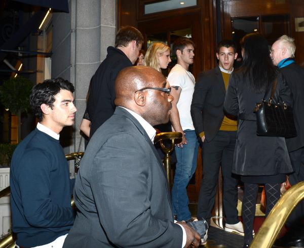 Nick Jonas and Joe Jonas spotted outside Ritz Hotel (photos under)