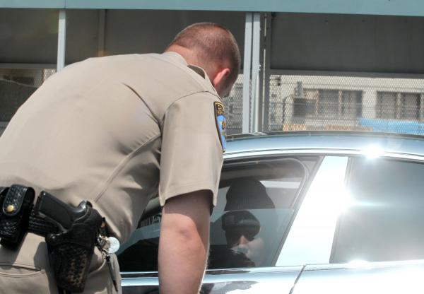 Justin Bieber gets pulled over by police for speeding! (photos under)