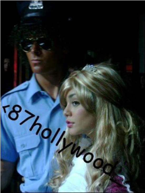 Old picture of Vanessa Hudgens and Zac Efron leaks