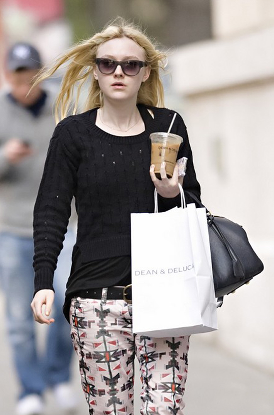 Dakota Fanning looks fashionable in the streets of New York City (photos)