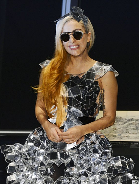 Lady GaGa attends a press conference in Tokyo (pictures under)