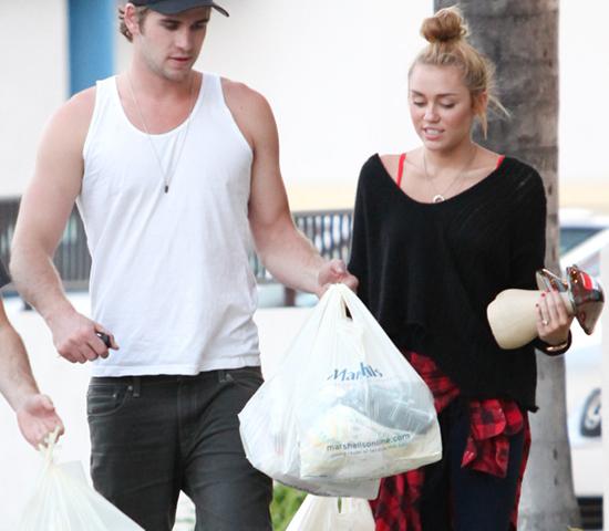 Miley out with fiancé Liam at local Marshalls department store (photos)