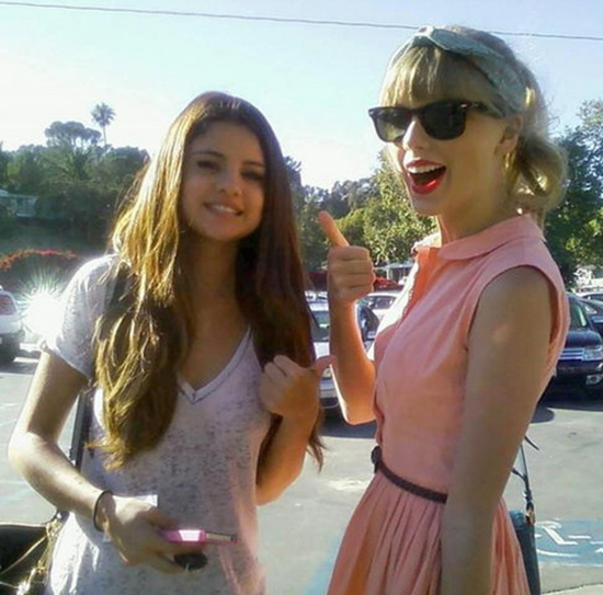 new picture of Selena Gomez and Taylor Swift at Paradise Cove