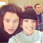 Harry Styles Wears Hair Extensions? According To Lily Allen He Does