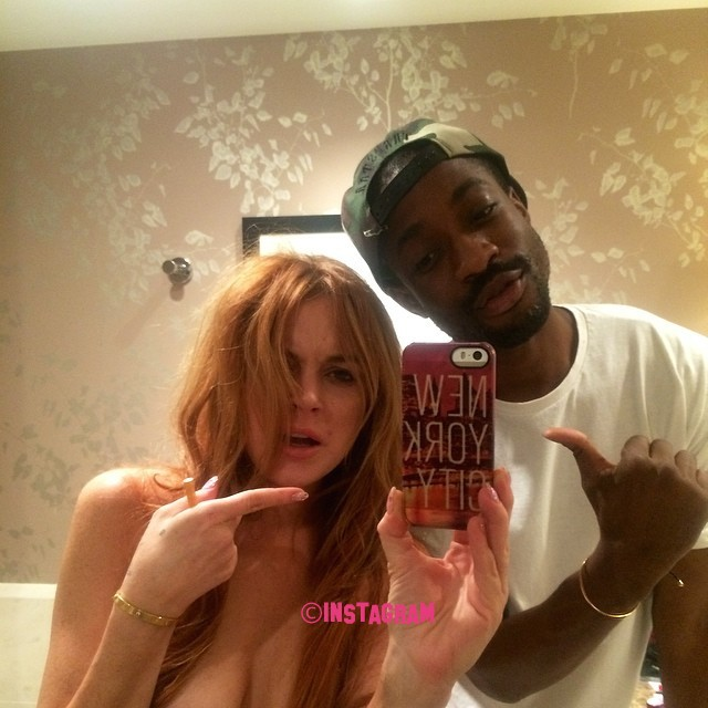 Lindsay Lohan Gives Topless In New Selfie