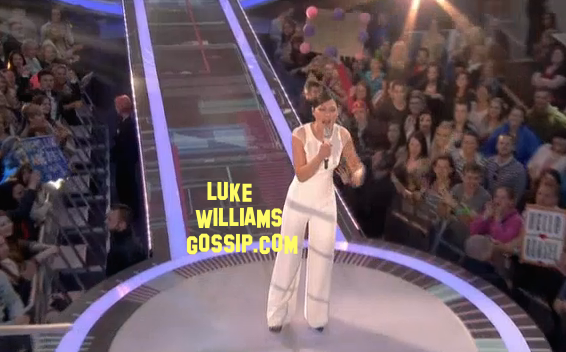 Emma Willis Stuns In A Jump Suite As She Hosts The First Show Of Big Brother 2014
