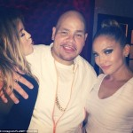 Khloe Kardashian Poses With Jennifer Lopez In New Online Snap