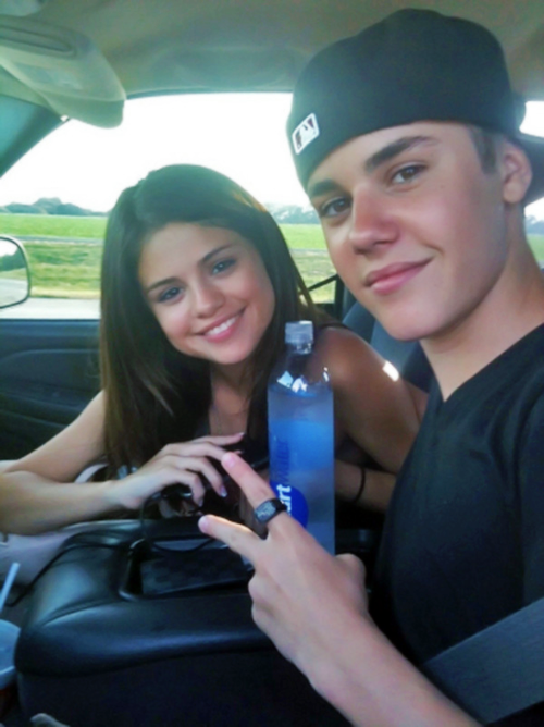 Justin Bieber And Selena Gomez Are Back On!