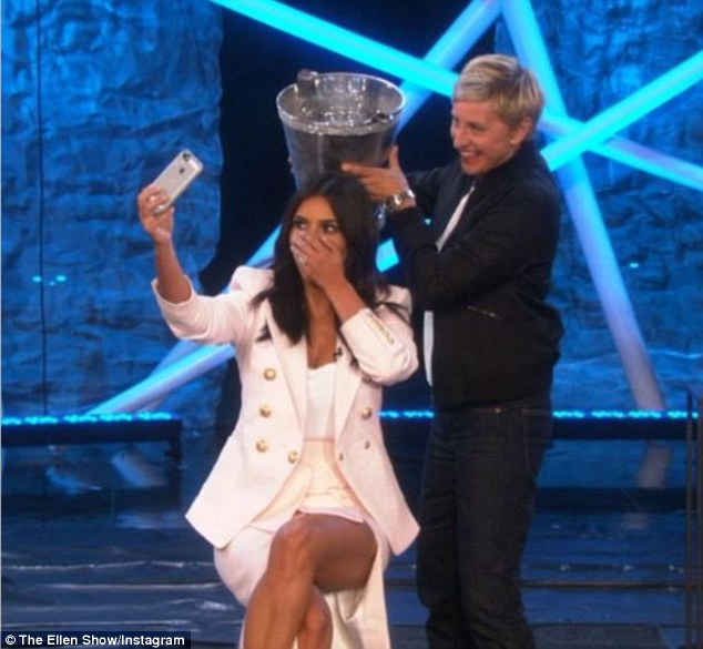 Kim Kardashian Finally Does the Ice Bucket Challenge And Takes A Selfie While Doing It!