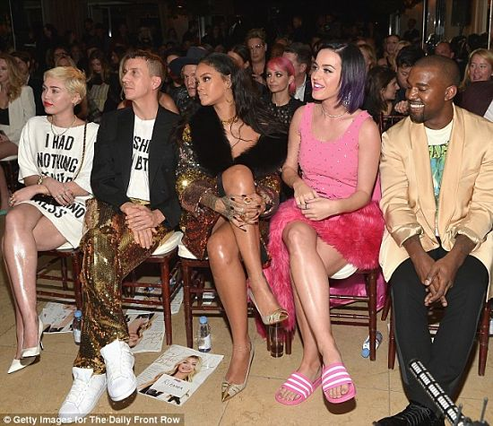 rihanna-katy-perry-miley-cyrus-kanye-west-front-row-fashion-show-awards