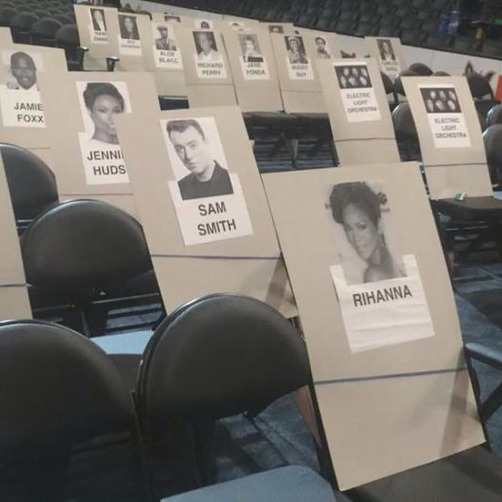 rihanna-grammy-awards-seat